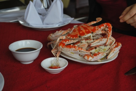 Steamed Crabs with Soy Sauce or Salt and Chili Dip