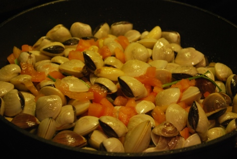 Put Them Clams on High Heat and Fry a Bit Before Adding White Wine ...