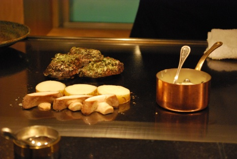 Teppanyaki's are so fun to watch ...