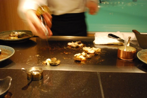 Ogawa-san Diced-up the All Abalones in 1 Stroke at the Speed of Light