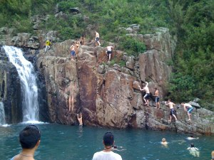 Cliffjumping at Luk Wu Stream 2