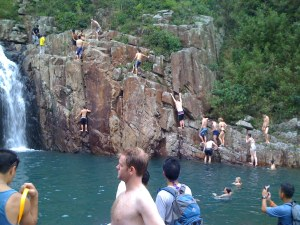 Cliffjumping at Luk Wu Stream 4