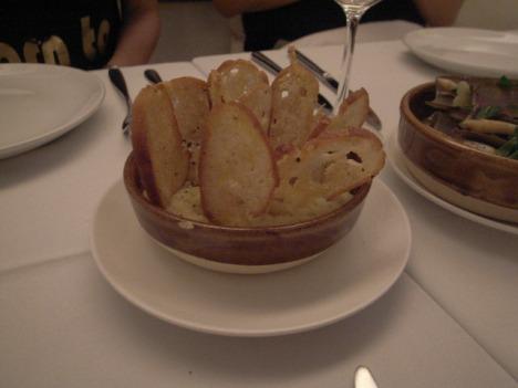 Mash potato with thin crispy bread