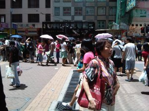 Queue in Wanchai near the Computer Mall
