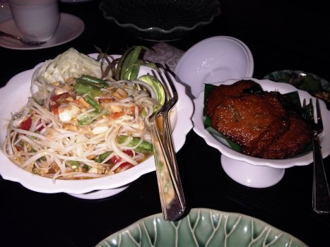 Fish Cake & Green Mango Salad